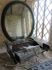 Chastleton House, interior windowsill (wonky knee) Tags: uk cotswolds hfholidays nationaltrust chastletonhouse windowsill loom mirror