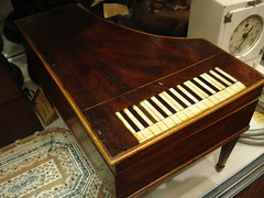 "EARLY 1800'S MAHOGANY TRINKET BOX IN THE FORM OF A PIANO. • <a style=""font-size:0.8em;"" href=""http://www.flickr.com/photos/51721355@N02/29656886913/"" target=""_blank"">View on Flickr</a>"
