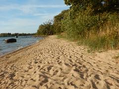 Vetersvikbadet in September (Flicker Classic Person) Tags: vetersvikbadet fkk nudist naturist beach plage bad badet strand sverige sweden 2016 september vttern stergtland sand grass lake safe