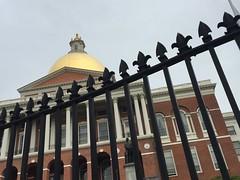 protecting the State House (Hayashina) Tags: massachusettsstatehouse hff usa boston fence