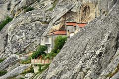 integrazione ... (anna bertocchi) Tags: pietrapertosa dolomitilucane italia roccia casa