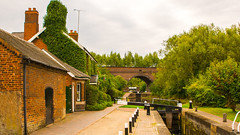 Park Head Locks & Viaduct (williamrandle) Tags: lockkeeperscottage parkheadlocks parkheadviaduct dudley netherton westmidlands uk england 2016 summer arch locks canal dudleyn2canal waterways water cottage dwelling house brick architecture towpath tree plant outdoor history nikon d7100 tamron2470f28vc