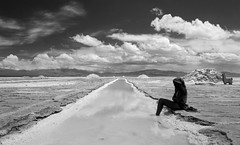 healing (Gdemiceu) Tags: canon7d blackandwhite blancoynegro blackwhite byn contrast contraste jujuy salta noa noroesteargentino norteargentino salinasgrandes salar sky cielo nubes clouds reflection reflejo people nature naturaleza water agua personas gente paisaje landscape 50faves