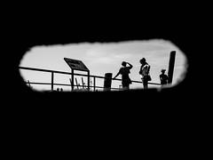 unbenannt (28. August 2016193 von 225).jpg (Mette1977) Tags: streetphotography olympus hamburg monochrome fischmarkt street people hafen frame omdem10ii 2016 microfourthird bw urban