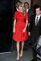 Taylor Swift (Jan Grndrup) Tags: red usa newyork sexy beautiful blonde lipstick challenge reddress goodmorningamerica newalbum fotofight taylorswift iphone5 nudeheels