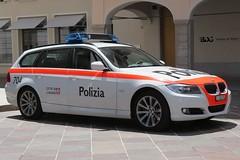 Classy arrestment (JoãoPedro64) Tags: car canon police bmw carro lugano policia sx40hs