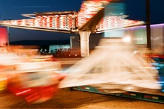 spinning (EllenJo) Tags: longexposure carnival arizona fairgrounds nikon fair cottonwood nikonfm10 fujifilm carnivalride slowexposure may3 nikonslr verdevalleyfair ellenjo ellenjoroberts springtimeinarizona fuji200speed may2013