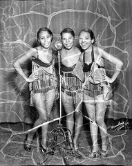 The Goggerson Sisters, Taken in 1934 (vieilles_annonces) Tags: washingtondc thirties 1930s 1934 30s blackentertainers scurlockphotography thegoggersonsisters