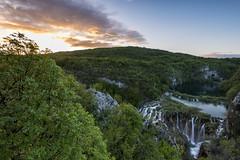 Nacionalni Park Plitvička Jezera (PhiiiiiiiL) Tags: park sunrise point sightseeing croatia national seen sonnenaufgang kroatien plitvica jezera plitvička plitvicer nacionalni vidikovac plitwicer