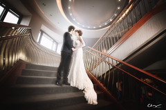 [wedding] light (pooldodo) Tags: wedding white stairs groom bride dress 33 gown 1424mm pooldodo
