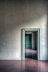 The beauty of emptiness (SCAPP PHOTO) Tags: empty space room doors wall colors floor porte muro vuoto spazio stanza pavimento abstract minimal interni minimale astratto interiors