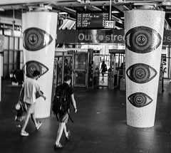 Street walk session 6-27-2016 pic6 (Artemortifica) Tags: belmont brownline cta chicago clarkandlake sonya6300 street blueline buses candid city downtown passengers people trains il