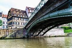 Sous le pont - Strasbourg. (Bouhsina Photography) Tags: strasbourg france alsace bouhsina bouhsinaphotogrphy canon 5diii ef1635 eau sous batiment perspective