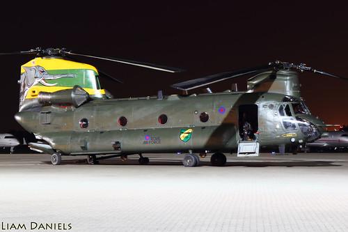 B-V Chinook HC4 - ZA683  -RAF