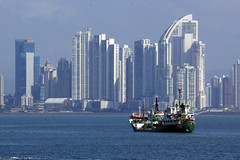 Panama City (drlopezfranco) Tags: panamciudad city sea mar oceano ocean pacifico pacific ship barco mercante cargero canal buildings edificios sunny soleado
