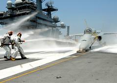 (aeroman3) Tags: ussgeorgehwbushcvn77 crashandsalvagedivision airdepartment aircraftcarrier fa18hornet trainingaircraft flightdeck firefightingdrill navy usnavy atlanticocean