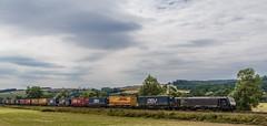 3096_2016_07_16_Haunetal_Neukirchen_MRCEdispolok_ES_64_F4_-_097_DISPO_6189_997_mit_KV_Bad_Hersfeld (ruhrpott.sprinter) Tags: ruhrpott sprinter deutschland germany nrw ruhrgebiet gelsenkirchen lokomotive locomotives eisenbahn railroad zug train rail reisezug passenger gter cargo freight fret diesel ellok hessen haunetal boxxboxxpress db egp ell hhla hsl hvle lbllocon metrans mrcedispolokdispo bb railpoolrpool rbh rhc schweerbau sbbc txltxlogistik wienerlokalbahnencargo 143 145 152 182 185 193 218 270 428 650 1264 1266 421 es64u2 es64f4 greencargo ice r5 outdoor logo natur sonnenaufgang graffiti rinder