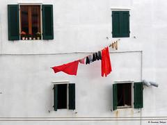 Elba : Marciana marina (scardeoni_fabrizio) Tags: elba isola marciana marina finestre bucato