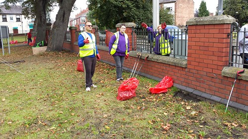 Wrexham - Rhosddu Litter Pick and Environment Day with CAIS -  19-9-16 (18)