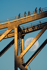 Walking on the moon (noompty) Tags: moon storybridge brisbane queensland australia people pentax k1 2xconverter hddfa150450f4556eddcaw on1pics