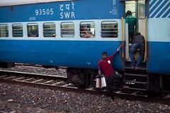 Chai wallah boarding! (Scalino) Tags: india karnataka travel trip train indiantrain indian railway station badami chai wallah boarding blue coach