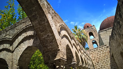 Sicilia (cortomaltese) Tags: sangiovannideglieremiti palermo sicilia sicily italy italia architettura chiesa cupole chiostro palme campanile