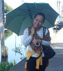 pretty woman under an umbrella (the foreign photographer - ) Tags: oct22016sony pretty young woman umbrella khlong lard phrao portraits bangkhen bangkok thailand sony rx100