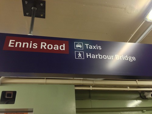 Milsons Point Station
