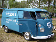 "BE-57-46 Volkswagen Transporter bestelwagen 1965 • <a style=""font-size:0.8em;"" href=""http://www.flickr.com/photos/33170035@N02/8701761107/"" target=""_blank"">View on Flickr</a>"
