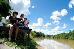 Young and Adult playing with ipad (Ariff Tajuddin) Tags: apple river fun happy kid sitting play adult young games laughter riverbank youngster ceria ipad gembira flickrandroidapp:filter=none arifftajuddin klikcapture
