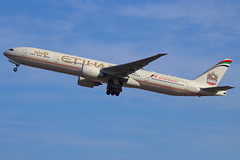 Etihad Airways - Boeing 777-3FX/ER - A6-ETK (Andy2982) Tags: airliner