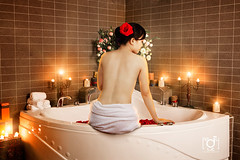 Q Spa (Andy Le | +84908231181) Tags: city light art girl nude candle room vietnam chi ho spa minh
