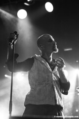 Tim Booth of James (nomeshome) Tags: james indiemusic theforum girltour gigphotography timbooth nothingbutlove wearejames