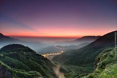(szintzhen) Tags:              mountain sky sunrise sunglow taipeicity taiwan