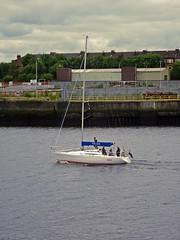 Rajah (Bricheno) Tags: clydebank renfrew scotstoun boat yacht bricheno river clyde riverclyde scotland escocia schottland cosse scozia esccia szkocja scoia