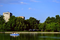 Park Freedom Island, Pazardzik, Bulgaria (d_dobreff) Tags: nikon d3300 kit lens photography outdoor nature town city urban trees green lake water boat people blue sky clouds reflection landscape bulgaria
