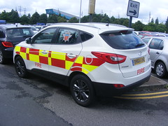 4705 - MA - BN64 UWZ - 103 (Call the Cops 999) Tags: uk gb united kingdom great britain england 999 112 emergency service services vehicle vehicles trafford centre greater manchester thursday 4 august 2016 ma airport hyundai ix35 crdi battenburg crest
