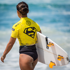 Nao Omura....     2016 SupergirlPro (Schoonmaker III) Tags: oceansideca pacificcoast prosurfer supergirlpro surfing wsl womensprosurfing yellow surfboard surfer surfergirl surferchick supergirljam paulmitchellsupergirlpro