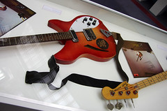 Guitar (Mike Serigrapher) Tags: thejam abouttheyoungidea exhibition cunard building liverpool 2016