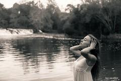 En el ro (Dani_vr) Tags: rio river girl babe woman corua hair pelo agua water