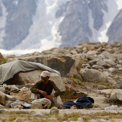 Marpogoro: All smiles (Shahid Durrani) Tags: karakoram karakorams central national park baltistan pakistan biafo glacier