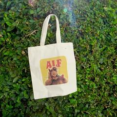 IMG_9115 (danimaniacs) Tags: yardsale stuff bag tote alf