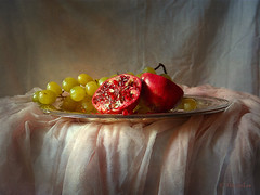 Still Life with Pomegranate and Grapes ... (MargoLuc) Tags: pomegranate fruit red autumn season grapes light natural soft window golden pink tablecloth tulle silver vassoio texture skeletalmess