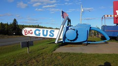 Big Gus (Haikiba) Tags: ishpeming michigan dayoopers touristtrap biggus chainsaw