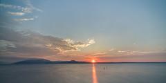 Sunrise at Lago del Garda (Martin Zurek) Tags: landscape water lake lagodelgardo sky panorama italia italy lombardia lombardei sirmione morning 5dsr canon zeiss distagon distagont2815 ze
