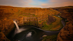 A River Reveals the Layers of Ancient Floods of Land (Kevin Benedict Photography) Tags: palouse palousefalls statepark washington nikon landscape sunset evening river gorge waterfall palouseriver volcanic largeigneousprovince columbiariver basalt photobenedict travel desert scablands canyon floodbasalts longexposure singhray
