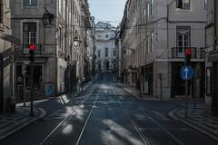 Traffical Twins (Robin Kelderman) Tags: lisboa lisbon portugal tram trafficlights arrow redlight