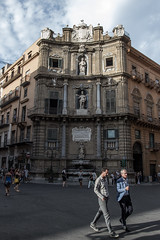 Palermo 7 (gsamie) Tags: 600d canon guillaumesamie italy palermo quattrocanti rebelt3i sicilia sicily architecture gsamie man people piazza street walking italie it