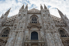 (Jason Clifton) Tags: canon canon5dmarkiii 5dmarkiii 5dm3 ef35mmf14lusm 35mmf14l 35mm 35mml streetphotography documentary photojournalism nationalgeographic natgeo primelens nozoom noflash availablelight existinglight naturallight architecture lookingup milan italy duomo milanduomo