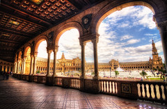 Vienes a Sevilla? (Di Gutti (diegogutierrez79@gmail.com)) Tags: plaza sky square sevilla place seville andalucia cielo andalusia hdr naboo plazadeespaa gettyimages arcos sevilha siviglia anibalgonzalez spainsquare diegogutierrez sevillan canoneos450d tokina1116 sevillban